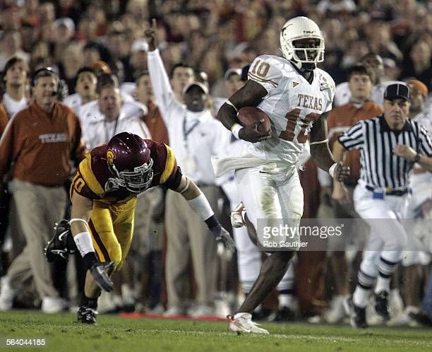 Vince Young Texas Longhorn quarterback takes off for a long run in third quarter action against USC for the national championship at the Rose Bowl...