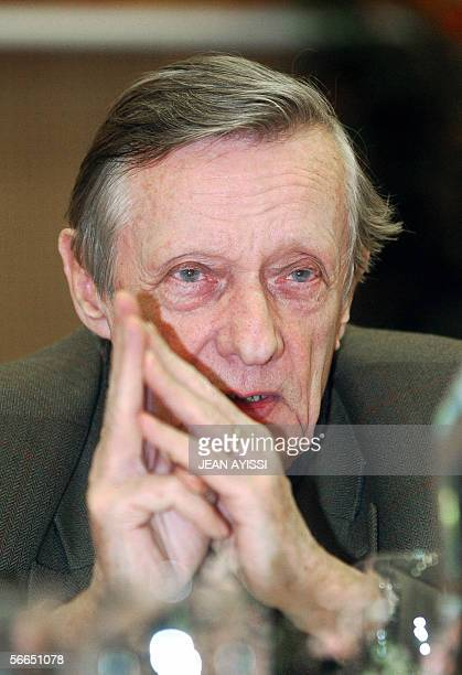 Portrait of French director of the movie 'Un roi sans divertissement' Francois Leterrier taken 23 January 2006 in Vincennes during the first edition...