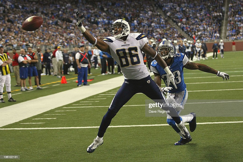 Vincent Brown #86 of the San Diego Chargers can't pull in the over-thrown pass in front of Chris Brown #23 of the Detroit Lions during a NFL game at Ford Field on December 24, 2011 in Detroit, Michigan. The Lions won 38-10