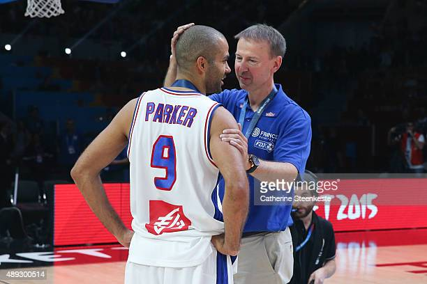 Vincent Collet Head Coach and Tony Parker of France are talking after the EuroBasket 3rd place game between France v Serbia at Stade Pierre Mauroy on...
