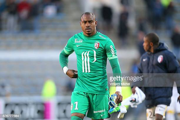 Vincent Enyeama of Lille during the French Ligue 1 match between Fc Lorient and Lille OSC at Stade du Moustoir on April 30, 2016 in Lorient, France.
