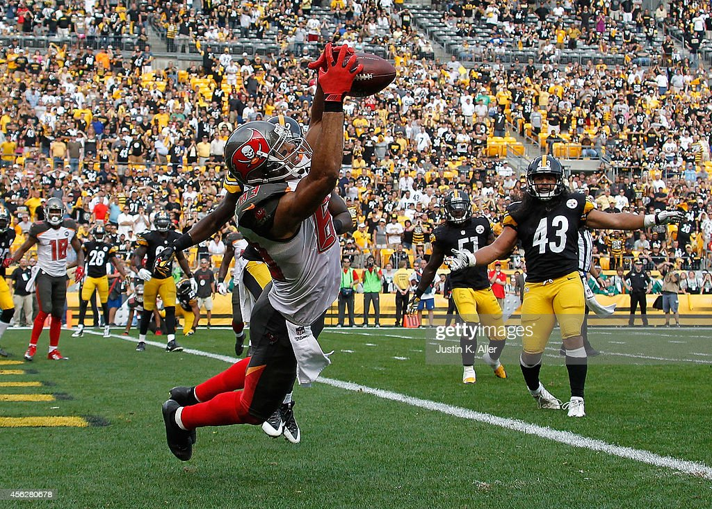Vincent Jackson #83 of the Tampa Bay Buccaneers catches a game winning touchdown in the fourth quarter against the Pittsburgh Steelers at Heinz Field on September 28, 2014 in Pittsburgh, Pennsylvania. Tampa Bay won the game 27-24