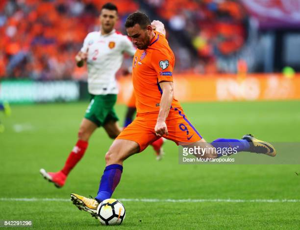Vincent Janssen of the Netherlands shoots on goal during the FIFA 2018 World Cup Qualifier between the Netherlands and Bulgaria held at The Amsterdam...