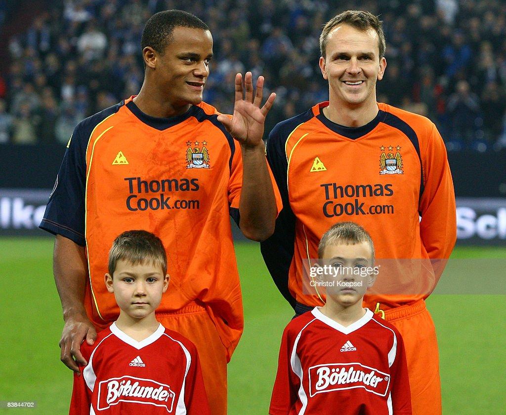 FC Schalke 04 v Manchester City - UEFA Cup : News Photo