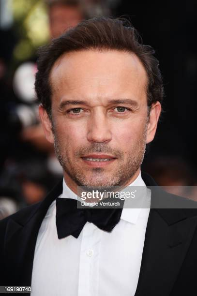 Vincent Perez attends the Premiere of 'Cleopatra' during the 66th Annual Cannes Film Festival at the Palais des Festivals on May 21, 2013 in Cannes,...