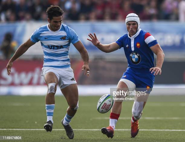 Vincent Pinto of France U20 competes for the ball with Juan Pablo Castro of Argentina U20 during a Pool A match between France U20 and Argentina U20...