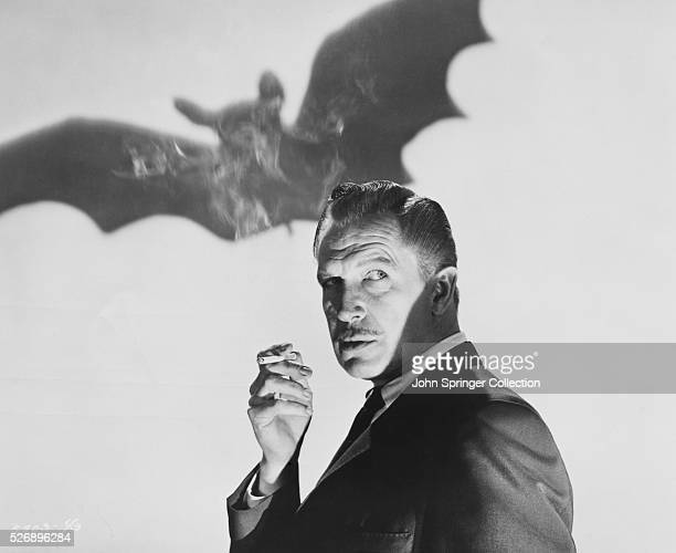Vincent Price as Dr Malcolm Wells in the 1959 version of the film The Bat