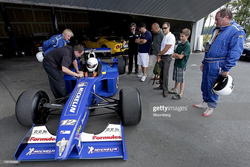 Foto S En Beelden Van Rev Up A Real Formula 1 Car For A