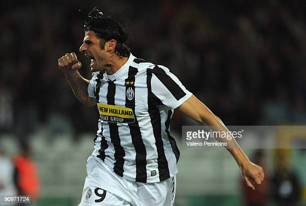 Vincenzo Iaquinta of Juventus FC celebrates his goal during the Serie A match between Juventus FC and AS Livorno at Olimpico Stadium on September 19,...