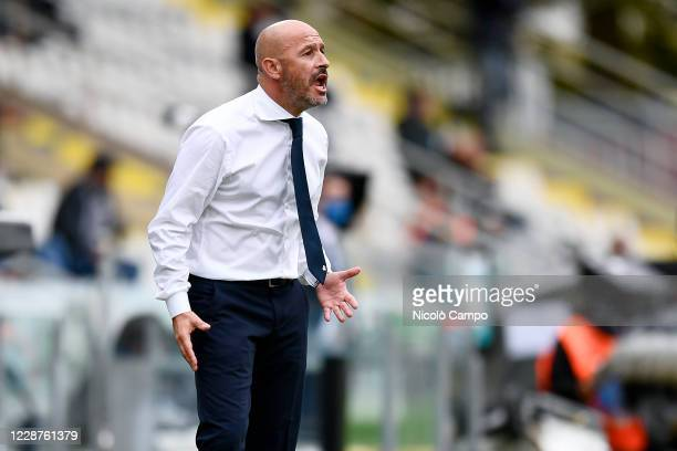 Vincenzo Italiano, head coach of Spezia Calcio, gestures during the Serie A football match between Spezia Calcio and US Sassuolo. US Sassuolo won 4-1...