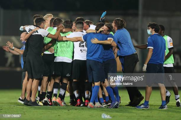 Vincenzo Italiano manager of ASC Spezia celebrates with his team as they win promotion to Serie A during the Serie B Playoff Final second leg match...