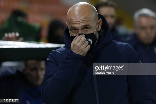 Vincenzo Italiano manager of Spezia Calcio looks on during the Serie A match between Spezia Calcio and Genoa CFC at Stadio Alberto Picco on December...