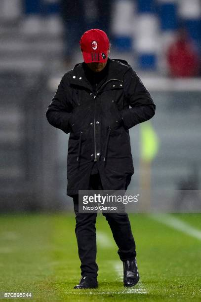Vincenzo Montella coach of AC Milan looks dejected during the Serie A football match between US Sassuolo and AC Milan AC Milan won 20 over US Sassuolo