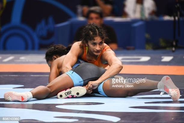 Vinesh Vinesg and Victoria Lacey Anthony during the female wrestling 48 kg competition during the Paris 2017 Women's World Championships at...