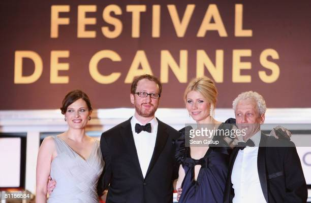 Vinessa Shaw director James Gray actress Gwyneth Paltrow and actor Moshonov Moni attend the 'Two Lovers' Premiere at the Palais des Festivals during...