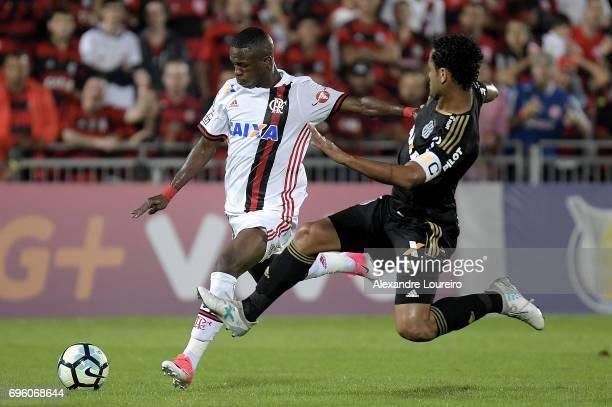Vinicius Junior of Flamengo battles for the ball with Elton of Ponte Preta during the match between Flamengo and Ponte Preta as part of Brasileirao...