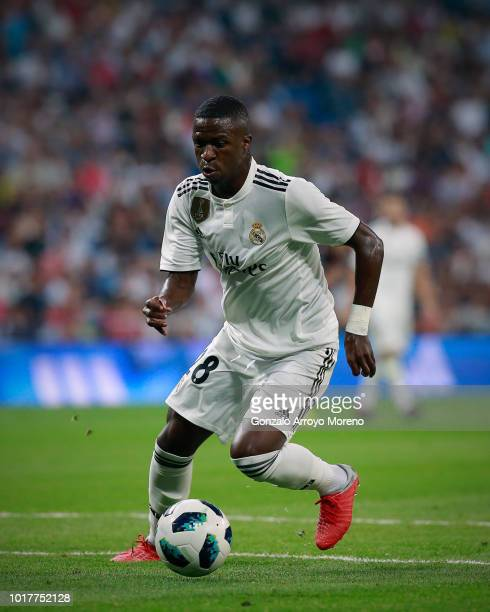 Vinicius Junior of Real Madrid CF controls the ball during the Santiago Bernabeu Trophy between Real Madrid CF and AC Milan at Estadio Santiago...