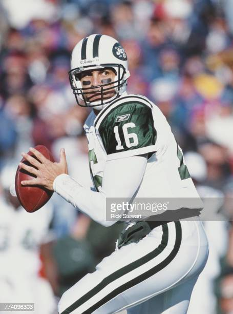 Vinny Testaverde Quarterback for the New York Jets during the American Football Conference East game against the Buffalo Bills on 7 October 2001 at...