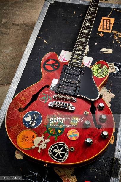 A vintage 1958 Gibson ES335 electric guitar nicknamed Big Red previously owned by English musician and Ten Years After guitarist Alvin Lee taken on...