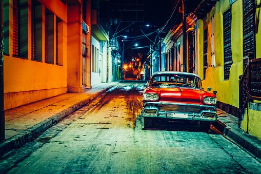Vintage American car (taxi) parked in Santiago de Cuba - gettyimageskorea
