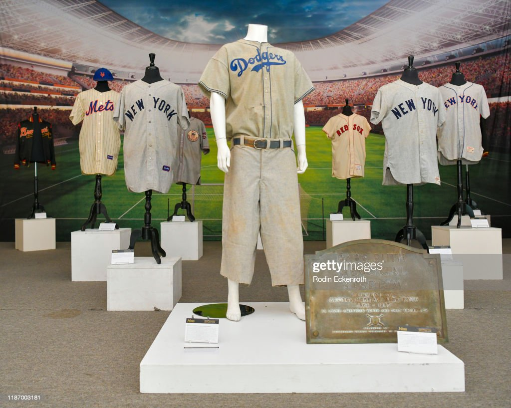 Julien's Auctions Hosts Sports & Southern Gentleman Collection Preview : News Photo