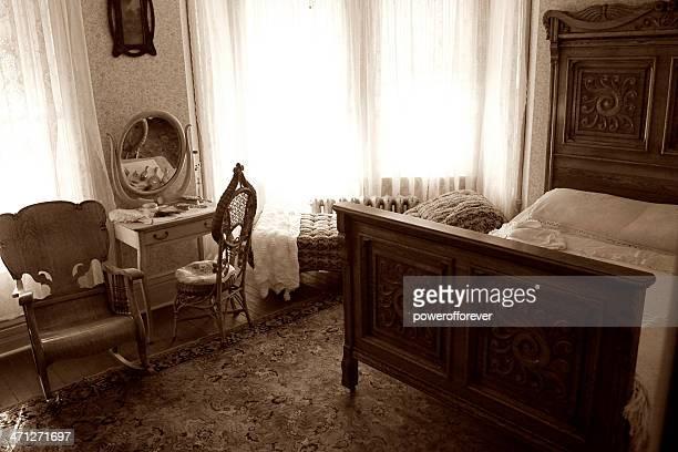 ヴィンテージのベッドルーム - 1900~1909年 ストックフォトと画像