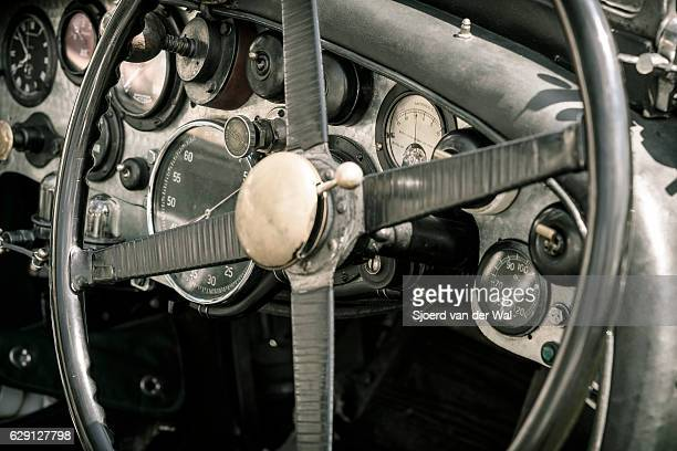 vintage bentley classic car dashboard - endurance race stock pictures, royalty-free photos & images