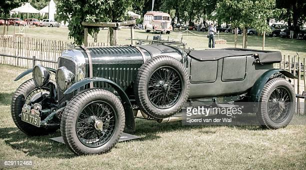 "vintage bentley classic car in british racing green - ""sjoerd van der wal"" stock pictures, royalty-free photos & images"
