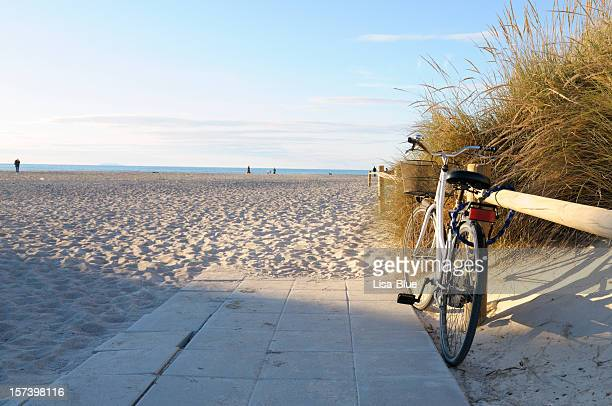 vintage bicycle at the beach, miami - netherlands stock pictures, royalty-free photos & images