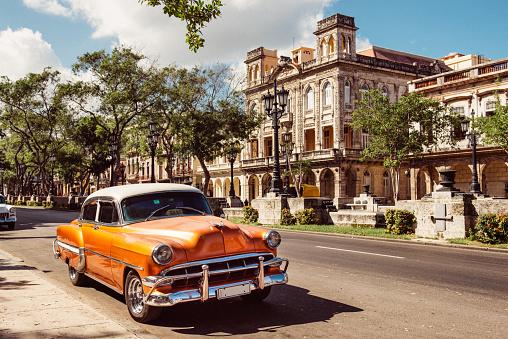 Vintage Car in Old Havana Cuba - gettyimageskorea