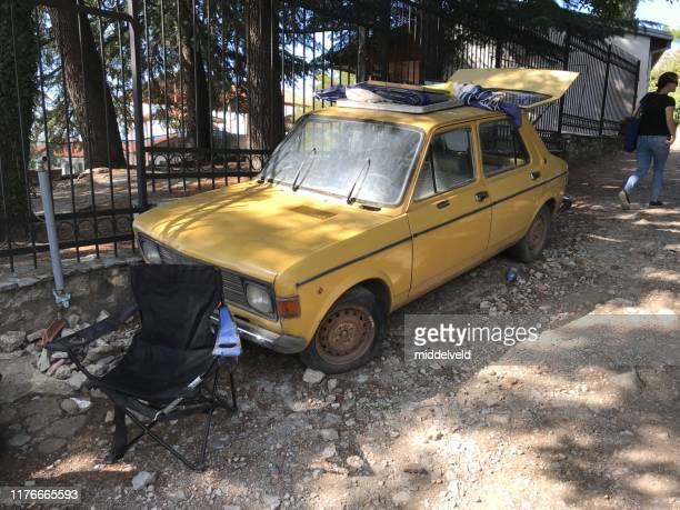 vintage car wreck - 1960 1969 stock pictures, royalty-free photos & images