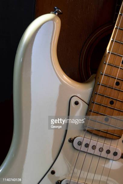 vintage electric guitar - stringed instrument stock pictures, royalty-free photos & images