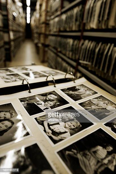 vintage family portraits. - hulton archive stock photos and pictures