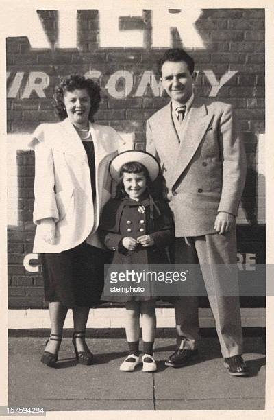vintage family snapshot - retrato formal stock pictures, royalty-free photos & images