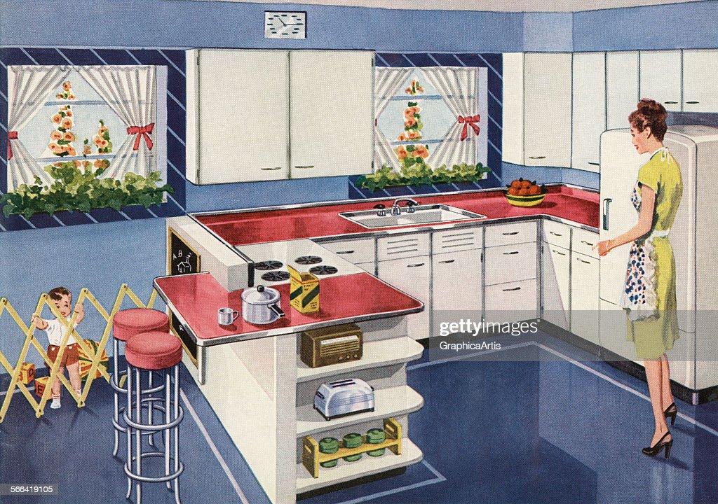 Homemaker In Her New Kitchen : News Photo
