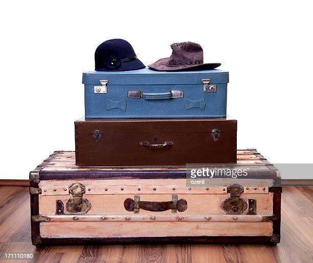 Chapeau vintage avec deux bagages