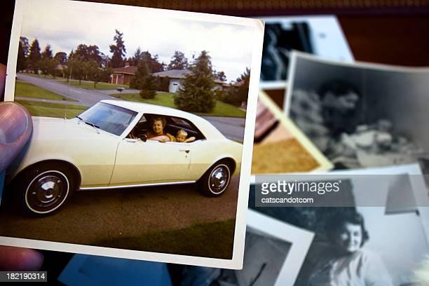 Vintage Foto von Mutter und Kind im Auto