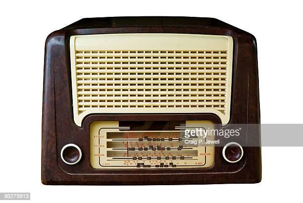 vintage radio isolated on white with clipping path - radio antigua fotografías e imágenes de stock