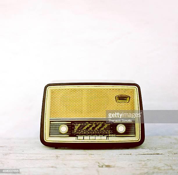 vintage radio - radio antigua fotografías e imágenes de stock