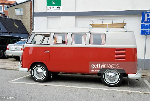 Vintage Rot und Weiß Volkswagen Transporter