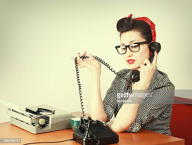 Vintage secrétaire sur le téléphone