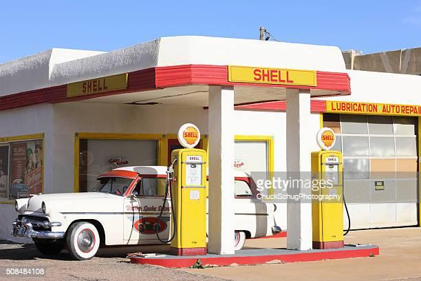 ビンテージシェルのガソリンスタンドパンプス車