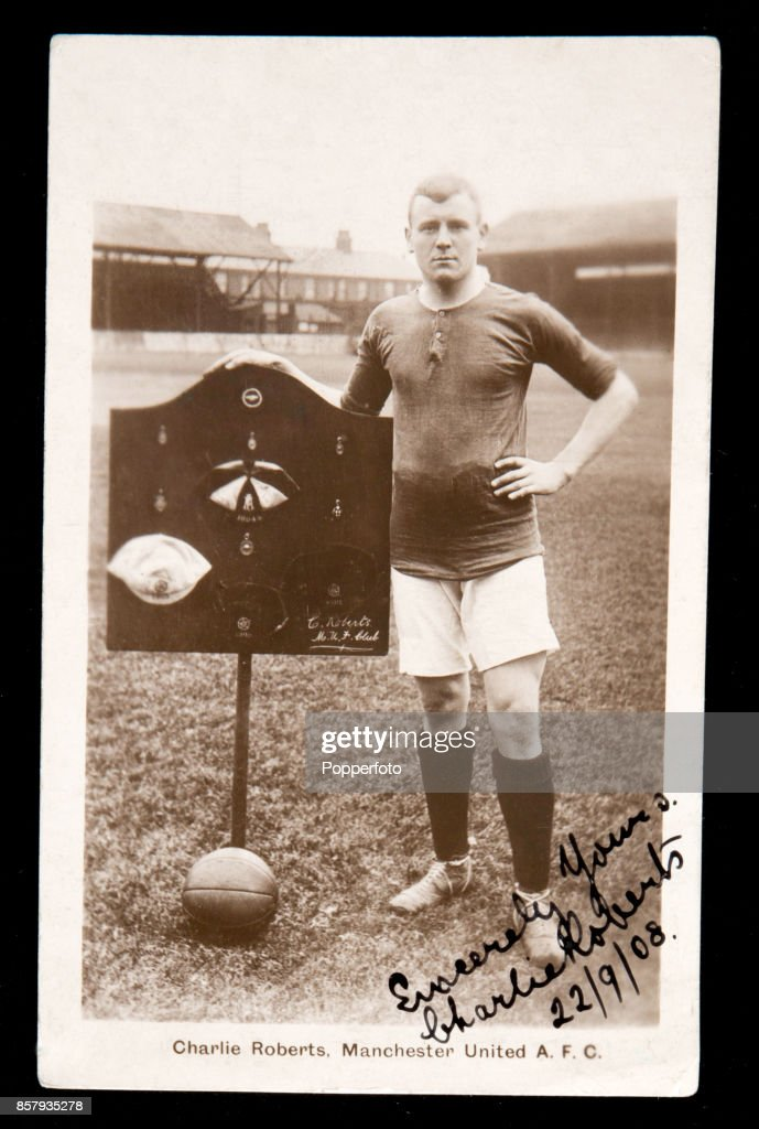 Manchester United Captain Charlie Roberts : News Photo