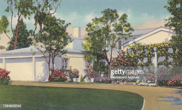 Vintage souvenir postcard published ca 1938 from the Movie Star Homes series, depicting mansions and grand beach estates of Hollywood celebrities in...