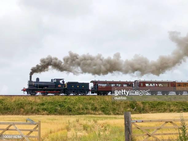 antigo trem a vapor - norfolk east anglia - fotografias e filmes do acervo