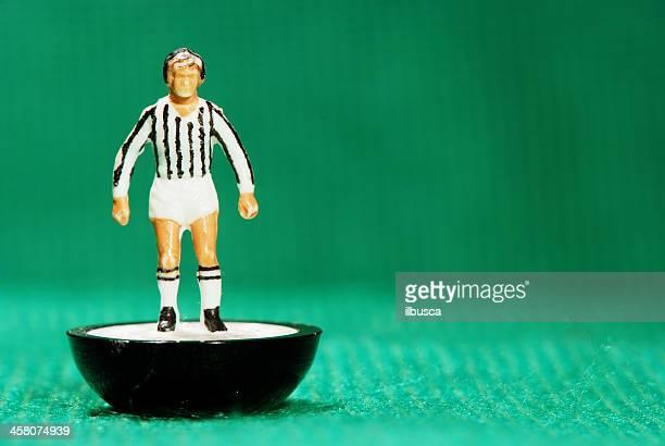 vintage subbuteo soccer player miniature toy - clubvoetbal stockfoto's en -beelden