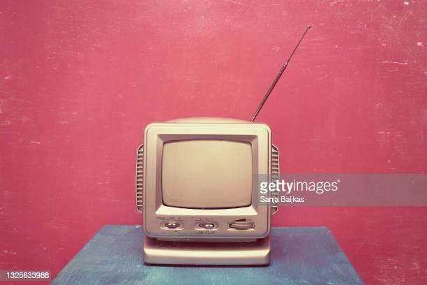 vintage television - film and television screening bildbanksfoton och bilder