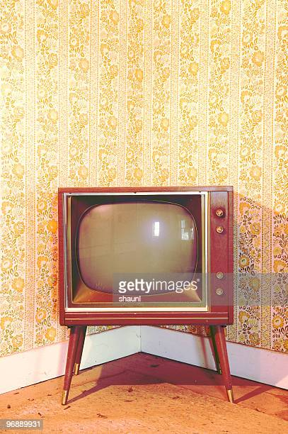 vintage television - television show stock pictures, royalty-free photos & images