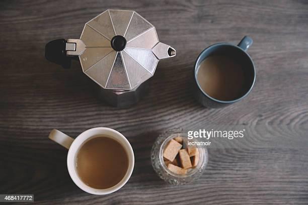 vintage imagen virada tazas de café sobre la mesa