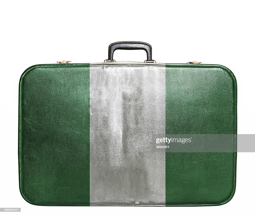 ビンテージ旅行バッグにフラグのナイジェリア : ストックフォト